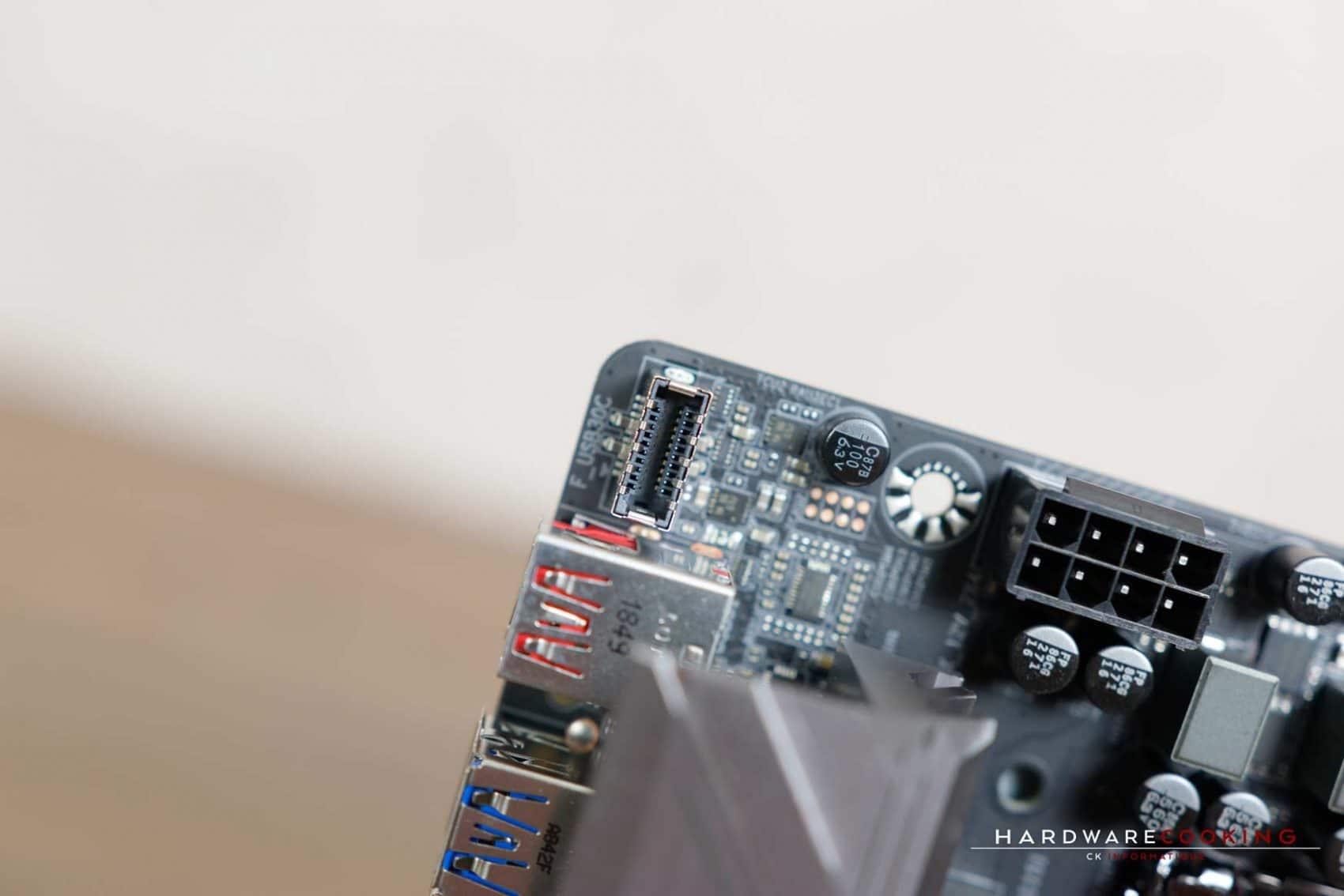 Port USB Type-C front panel carte mère AORUS