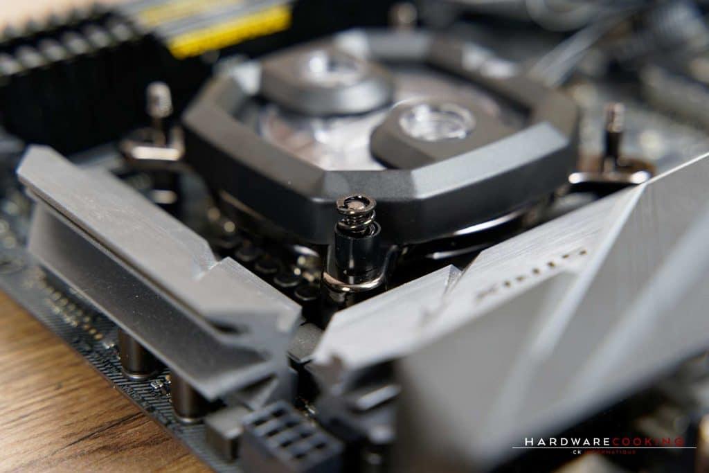 Installation waterblock CPU Corsair Hydro X