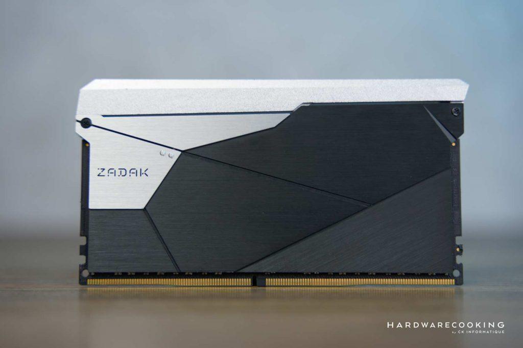 Test ZADAK SHIELD DC RGB 3200 MHz