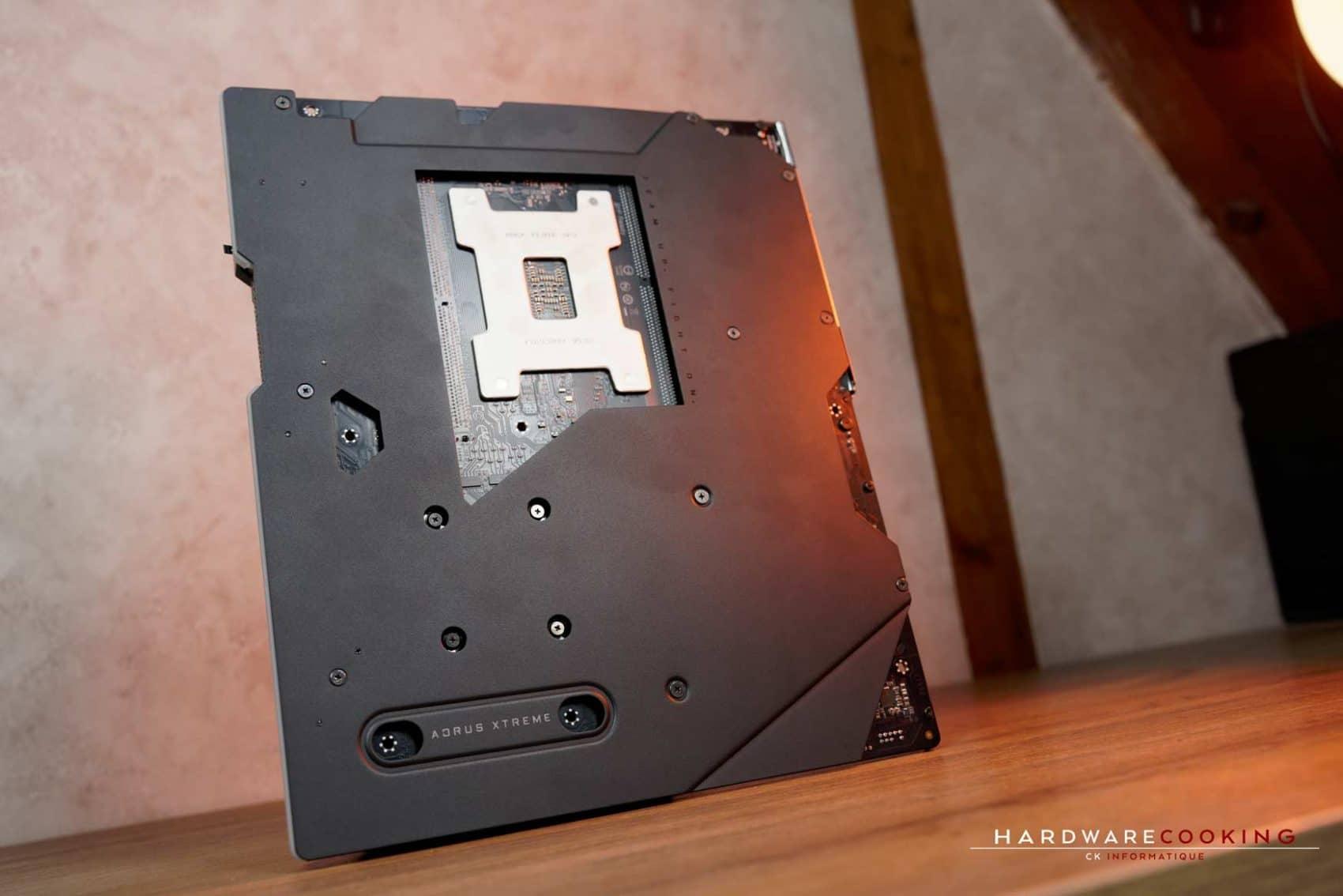 Backplate Nanocarbon TRX40 AORUS XTREME
