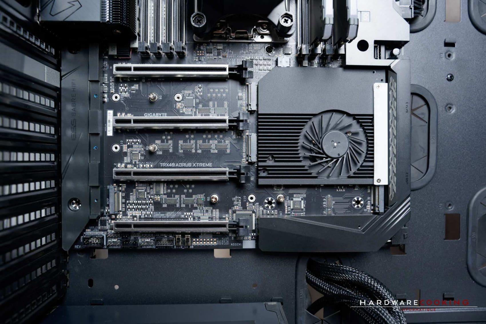 Emplacement SSD M.2 et ventilateur chipset