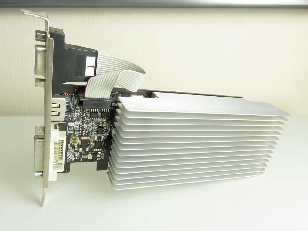 PNY GT 610 1 Go DRR3 radiateur fanless