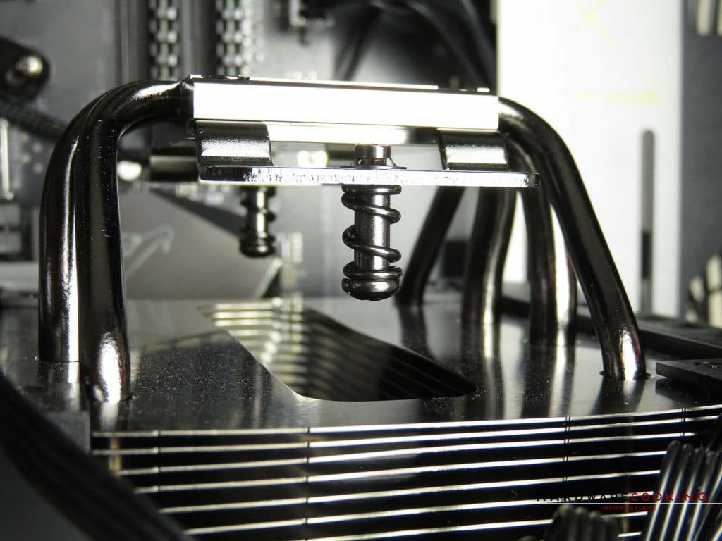 Corsair A500 vis fixation