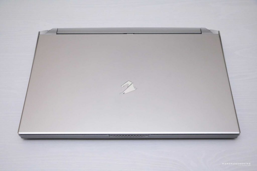 test laptop AORUS 15G XB-8FR2130MH