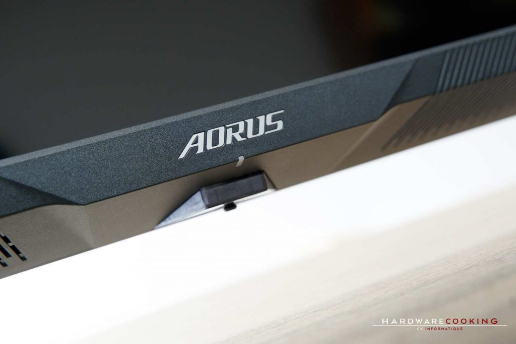 Test AORUS FV43U