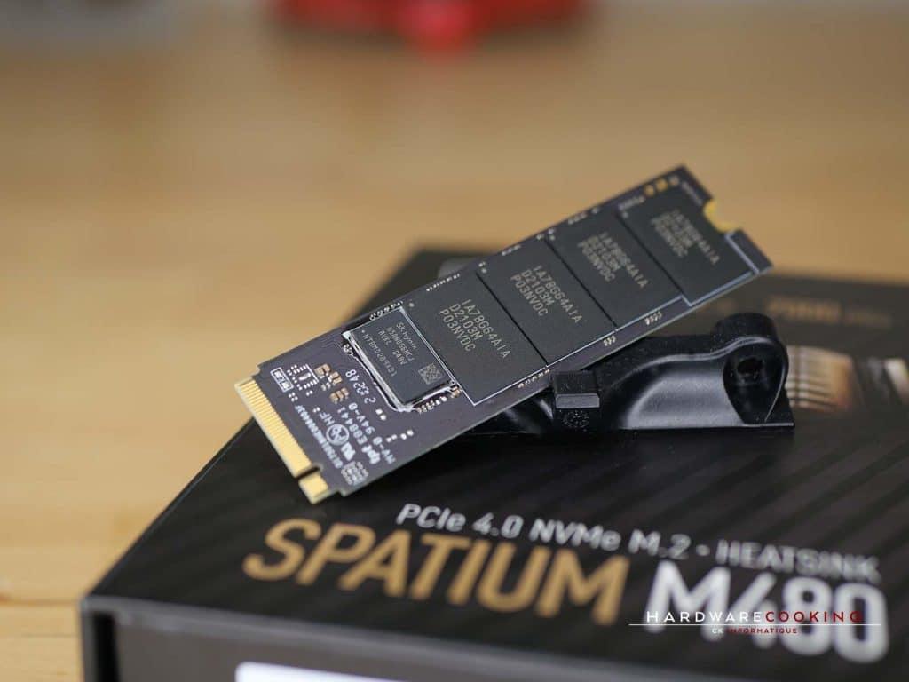 Cache SK hynix et puces mémoire Micron MSI SPATIUM M480