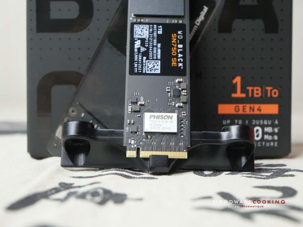 Contrôleur mémoire PHISON PS5019-E19-35