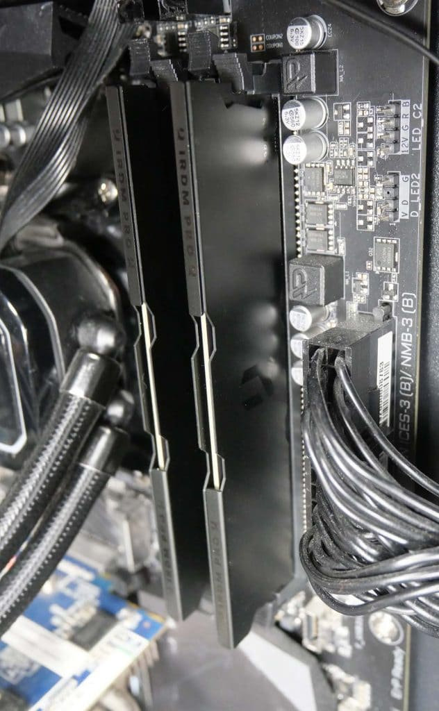 Test DDR4 GOODRAM IRDM PRO DEEP BLACK 3600 MHz CL18